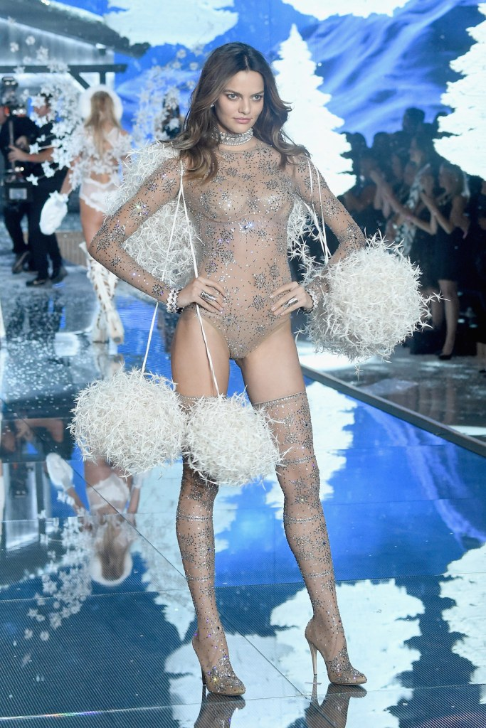 NEW YORK, NY - NOVEMBER 10: Model Barbara Fialho from Brazil walks the runway during the 2015 Victoria's Secret Fashion Show at Lexington Avenue Armory on November 10, 2015 in New York City. (Photo by Jamie McCarthy/Getty Images)