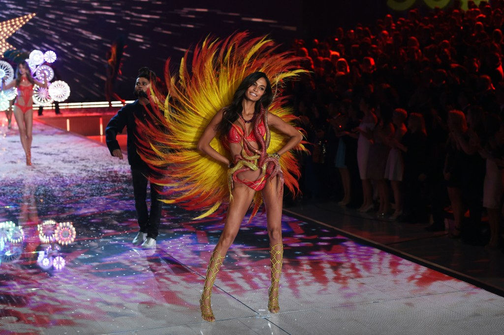 Model Joan Smalls from Puerto Rico presents a creation during the 2015 Victoria's Secret Fashion Show in New York on November 10, 2015. AFP PHOTO/JEWEL SAMAD (Photo credit should read JEWEL SAMAD/AFP/Getty Images)