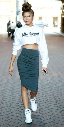 123942, EXCLUSIVE: Zendaya goes shopping for jewelry with her manager Jessie in Downtown LA. Los Angeles, California - Tuesday, August 5, 2014. Photograph: © PacificCoastNews. Los Angeles Office: +1 310.822.0419 London Office: +44 208.090.4079 sales@pacificcoastnews.com FEE MUST BE AGREED PRIOR TO USAGE