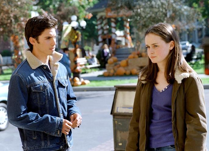 GILMORE GIRLS, Milo Ventimiglia, Alexis Bledel, 'The Inns & Outs of Inns', (Season 2), 2000-2007, ph